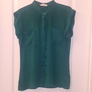 Olive & Oak: Emerald Green Sleeveless Blouse